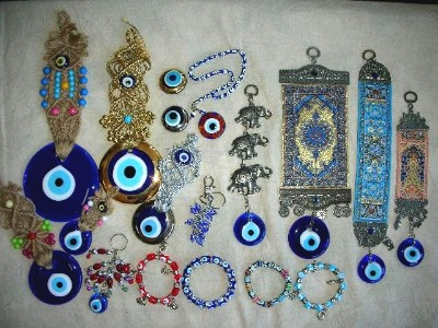 http://www.evileyebeads.org/wp-content/uploads/2009/11/turkish-evil-eye-beads.jpg